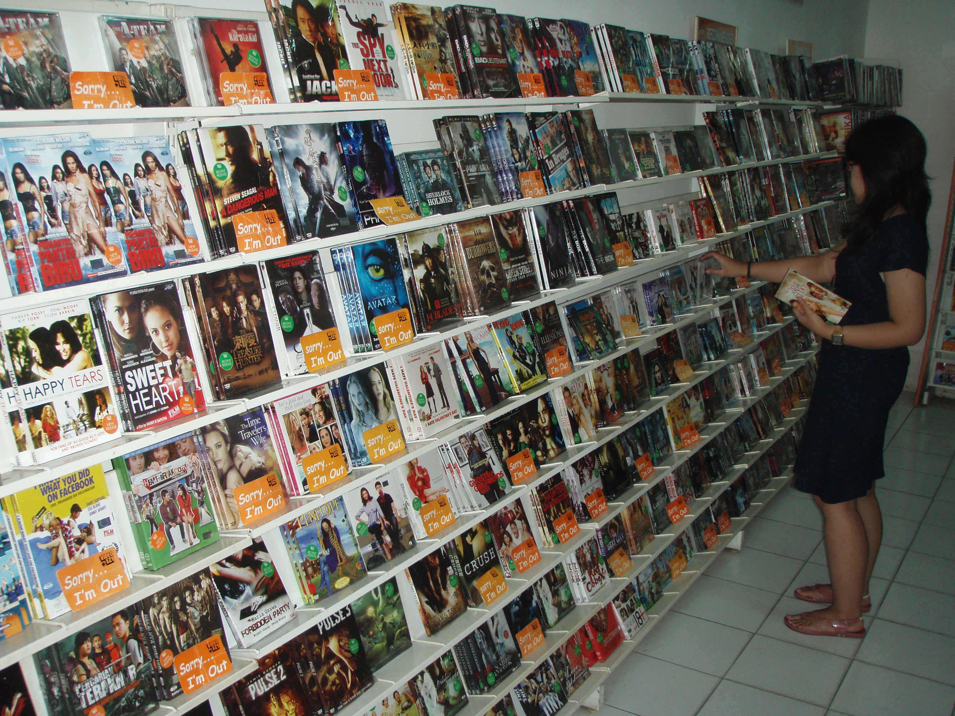 internet pirated dvds plunder indonesia�s rental market